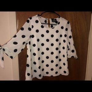 """Hope's """"She's Perfect"""" Top: White/Black"""